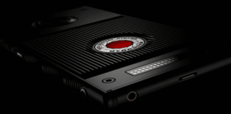 RED Hydrogen One smartphone olografico