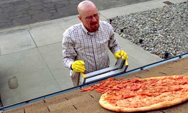 Una recinzione sulla casa di Breaking Bad per impedire alle persone di lanciare pizze sul tetto